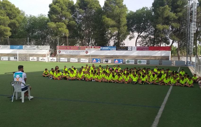 La visita del futbolista Iván López al XIV Campus