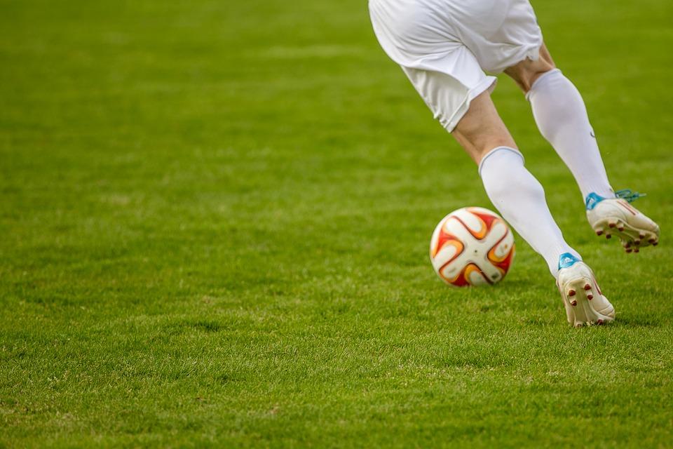 Consejos para jugar al fútbol en verano